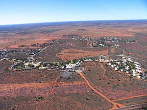 Yulara from helicopter (August 2004)