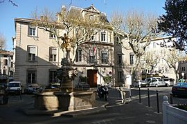 Fontaine à Carpentras 2.JPG