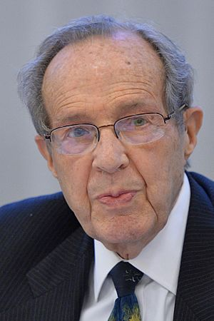 Former U.S. Secretary of Defense William Perry (13758070063) (cropped)