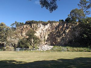 Cliff at Windsor Town Quarry Park