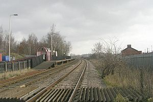 Platform 2 - Featherstone Station - geograph.org.uk - 1193332