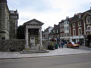 Fire Monument, Blandford Forum - geograph.org.uk - 163311