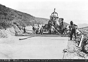 Ridge Route construction tamping crew 1915
