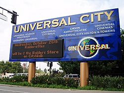 The Universal City sign, on the corner of Lankershim Boulevard and Universal Hollywood Drive in 2009.