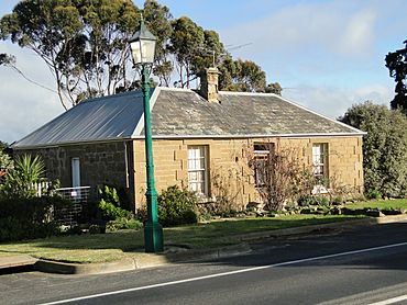 Stone house at Ceres Victoria.JPG