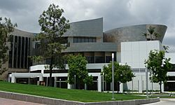 Cerritos Library as seen from the Cerritos Veterans Memorial.jpg