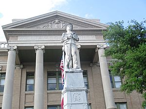 Confederate statue at Williamson County, TX, Courthouse IMG 7113