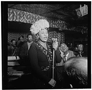 Gottlieb, William P. - The Library of Congress - Portrait of Ella Fitzgerald, Dizzy Gillespie, Ray Brown, Milt (Milton) Jackson, and Timmie Rosenkrantz, Downbeat, New York, N.Y., ca. Sept. 1947 (pd)