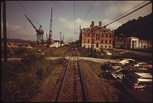 VIEW FROM AN AMTRAK PASSENGER TRAIN ENROUTE FROM HARRISBURG, PENNSYLVANIA, TO BALTIMORE, MARYLAND, AND WASHINGTON... - NARA - 556852