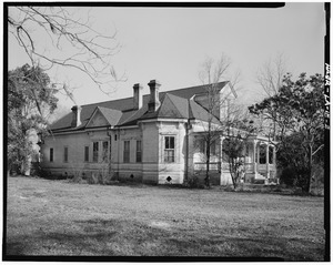 "3-4 view of north and west elevations. - Laurel Valley Sugar Plantation, ""Big"" House, 2 Miles South of Thibodaux on State Route 308, Thibodaux, Lafourche Parish, LA HAER LA,29-THIB,1E-2"