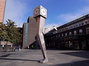 "Glasgow. George Wyllie - ""The Clyde Clock"" (1999-2000). Killermont Street"