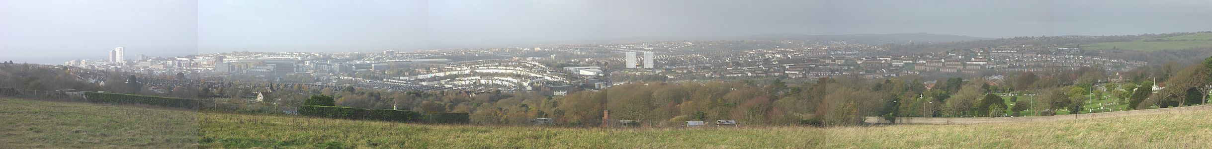 Panorama of Brighton seen from Tenantry Down to the east