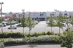 Junction One Retail Park (2), August 2009