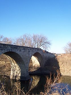 1886 Clements Stone Arch Bridge over Cottonwood River (2006)