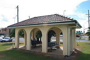 Bundaberg War Nurses Memorial, 2009.jpg