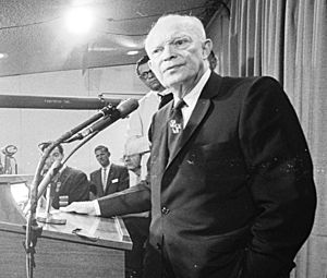 Dwight Eisenhower at 1964 RNC (cropped1)