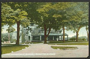 PostcardTheRidgefieldSchool,CT1909