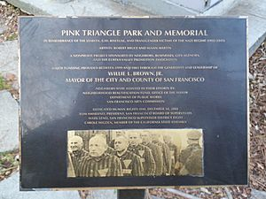 Pink-Triangle-Park-and-Memorial-San-Francisco-2013-a 02