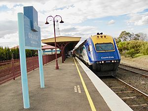 XPT at Orange station