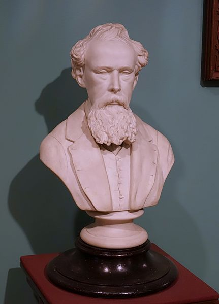 Charles Dickens by James and Thomas Bevington, Staffordshire, 1870, porcelain - Château Ramezay - Montreal, Canada - DSC07564
