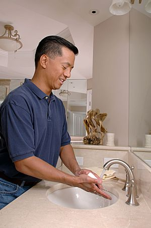 Man washing hands (1)
