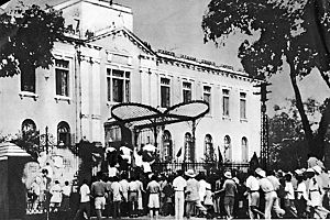 Hanoi, The uprising on August 19, 1945