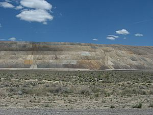 Round Mountain gold mine, leach dumps