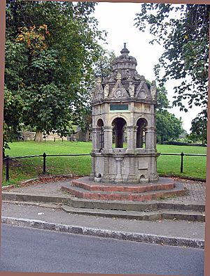 Charlbury fountain - geograph.org.uk - 55833