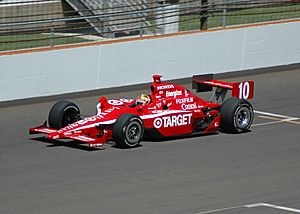 Dan WheldonPracticing2007Indy500