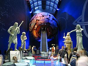 Entrance to the Earth Galleries of the Natural History Museum (London, 2002-06-07)