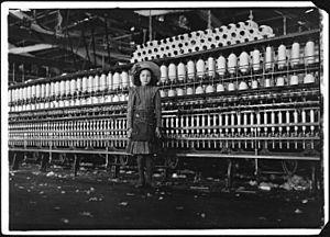Young spinner in Roanoke Cotton Mills. Said 14 years old, but it is doubtful. Roanoke, Va. - NARA - 523433