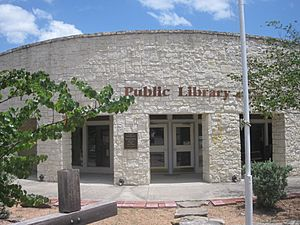 Public library in Leakey, TX IMG 4299