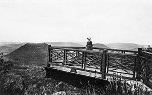 StateLibQld 1 119916 Lookout at Picnic Point, Toowoomba, Queensland, ca. 1928