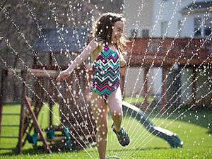 Sprinkler Fun (13846184435)