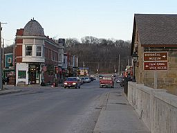 Utica Illinois main street.JPG