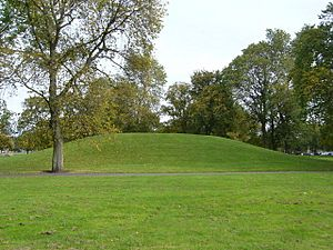 Mound on Leith Links