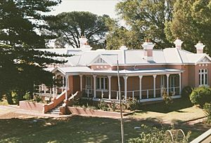 UndercliffeHouse BettySmith WALibrary 1994March