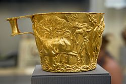 Golden cup from Vafio 1500 to 1450 BC, NAMA 1759 080874