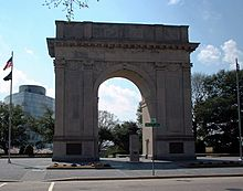 Newport News Victory Arch, 25th St. and West Ave., Newport News, VA (April 2006)
