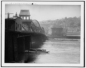 P. & L.E. Ry. Pittsburgh and Lake Erie Railroad station and Mt. Washington, Pittsburgh, Pa. c.1905