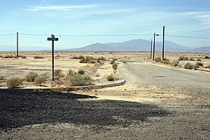 Salton city airpark road