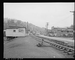Street scene. Osage, West Virginia. - NARA - 540312