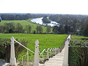 River Thames from Richmond Hill down path