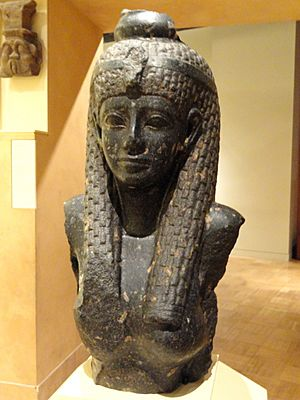 Cleopatra VII statue fragment, 69-30 BC - Royal Ontario Museum - DSC09761