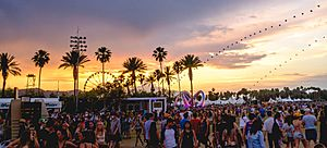 Coachella 2014 sunset with balloon chain and Lightweaver