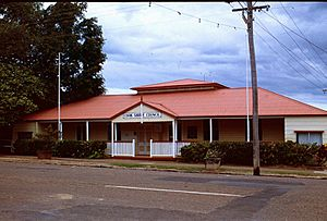 Cook Shire Council Chambers (1996).jpg