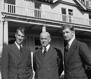 Sir Edmund Hillary, Sir Willoughby Norrie, and George Lowe at Government House, Wellington, 1953