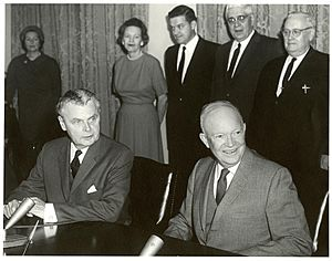John Diefenbaker and Dwight Eisenhower at signing of Columbia River Treaty (January 1961)