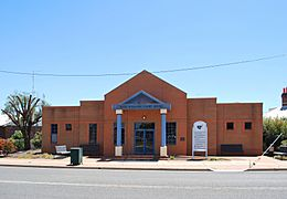 West Wyalong Court House