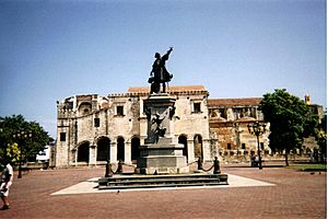 Parque Colon, Santo Domingo (2003)